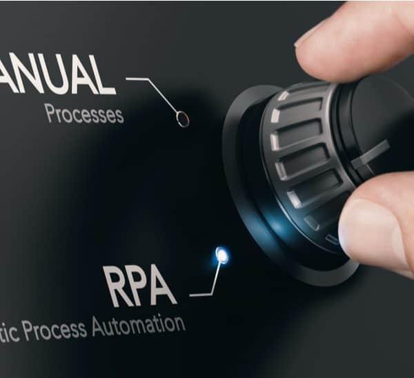 Net als bij elke verandering in een proces, moet je goed nagaan of er een business case voor RPA is,
